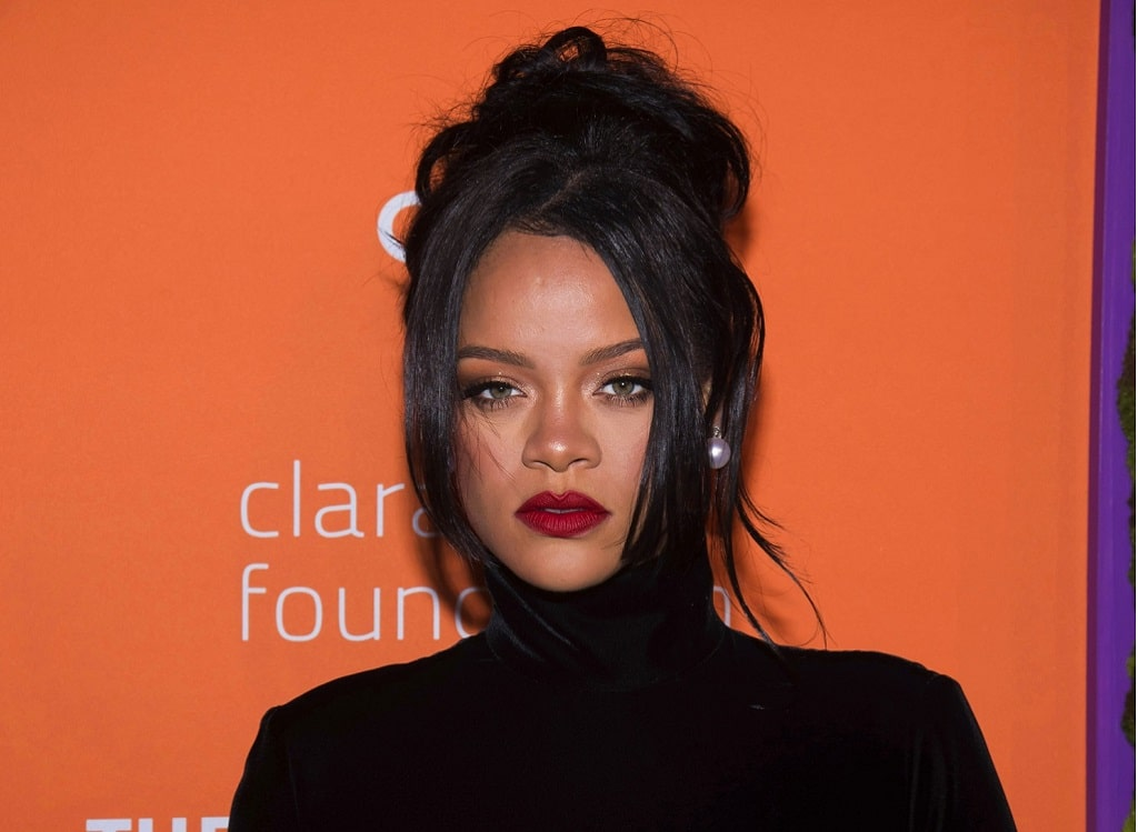 Rihanna Szemelyi Igazolvany